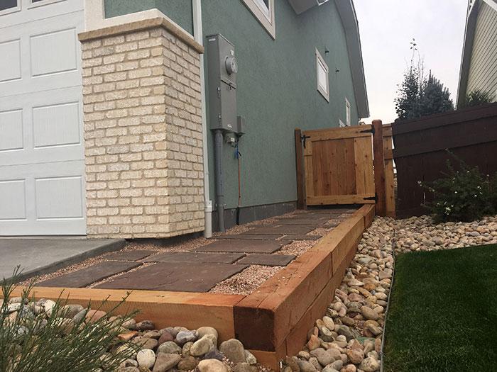 paver-path-retaining-wall